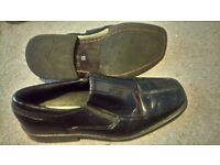 Size 10 mens black shoes great cond work formal