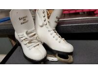 Ice skates Lovely infant size 9