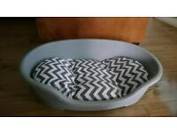 Dog bed and cushion) springer spaniel size