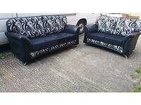 BUY THE LYNX REVERSO 3+2 IN BLACK /WHITE SWIRL CUSHION 3 SEATER £399 GET 2 SEATER FREE !!