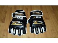 """(£15) """"Great Condition"""" (RDX LEATHER BODYBUILDING GYM GLOVES completely new, only used 3 times)."""