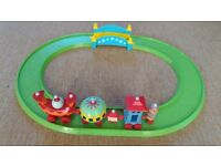 In the Night Garden Musical Ninky Nonk and track set