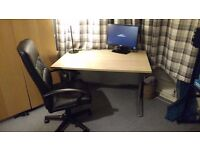 Large solid wood premium office / bedroom / work desk and leather chair Excellent quality barnet