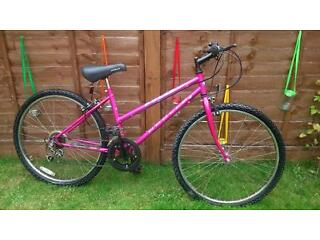 Perfect run about town bike. Small pink ladies Apollo 'Pulse'.