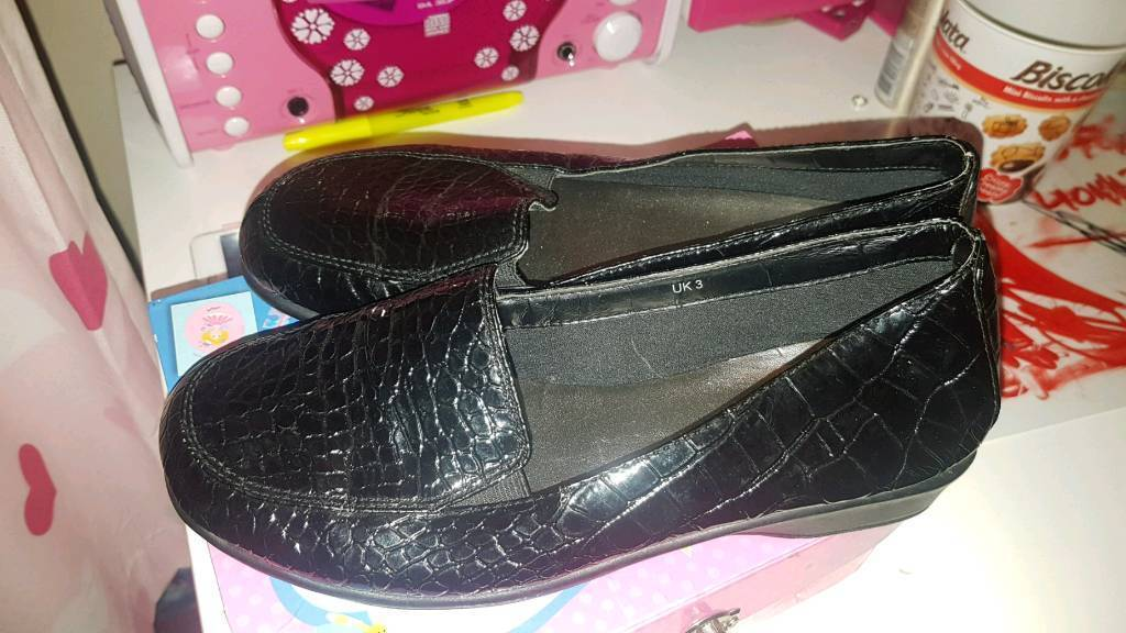 Girls school shoes black size 3  d7aa61284