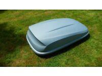Halfords roof box, grey 370/420 litre