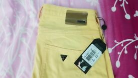Ladies Guess Jeans 27 cropped Yellow