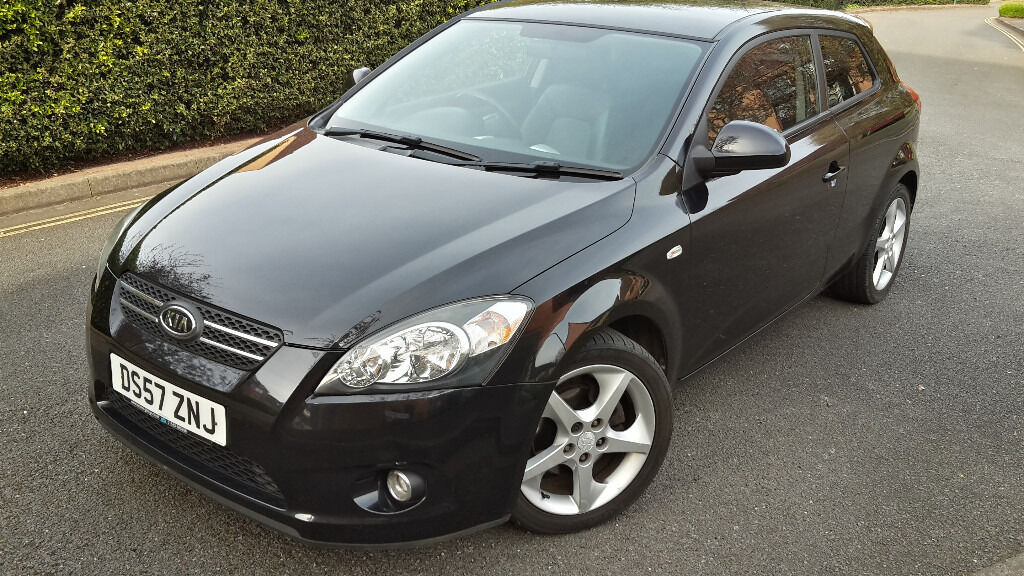2008 kia ceed sport 2 0 crdi high spec 140 bhp 6 speed low mileage full leather very good cond. Black Bedroom Furniture Sets. Home Design Ideas