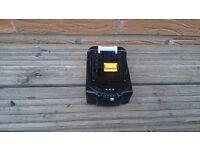 MAKITA 18v LXT LI-ION BL1850b (5AH) (BATTERY GAUGE) battery,(BRAND NEW)