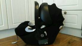 Mama's & Papa's Cybex Aton Q car seat, fits on lots of pram / pushchairs.
