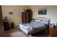 LARGE DOUBLE ROOM IN BOW/MILE END. MODERN APARTMENT 1 ROOM AVAILABLE. ZONE2 £680 ALL BILLS INCLUDED