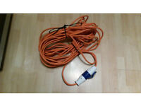 25m hook up extension lead