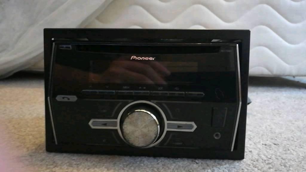 Pioneer 460UI car stereo