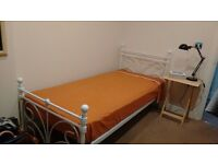 1 single bed with mattress