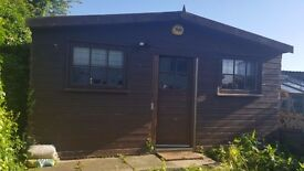 Self contained studio annex to rent with fitted kitchen, living area and shower.
