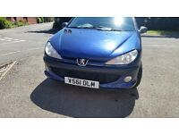 206Peugeot 112months mot cheap on fuel and taxt nice inside and out