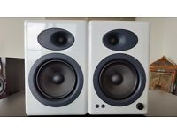 Excellent condition hi-fi audio set (speakers + subwoofer + DAC + stands)