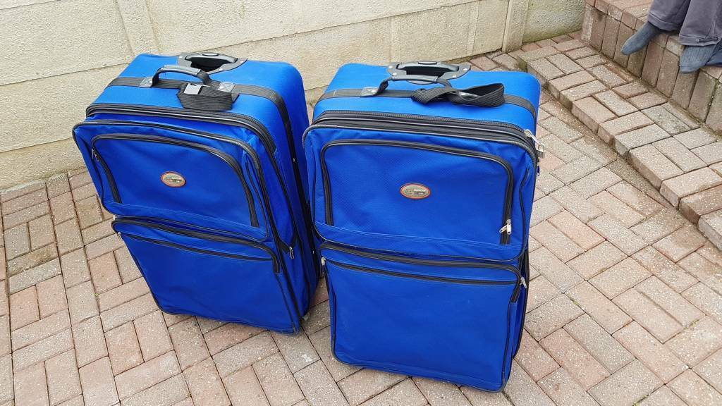 Suitcases Set of 2 (American Uni)