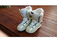 FOR SALE ladies FLOW snowboard boots uk7