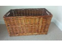 WICKER BASKET - LARGE