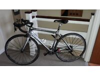 BLACK FRIDAY SPECIAL: 2010 Trek Madone 4.7 WSD 52cm (Silver) Road Racing Bike + Helmet