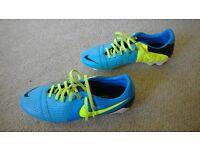 nike maestri football boots size 7