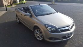 Vauxhall Astra twin top convertible very low mileage a must see car