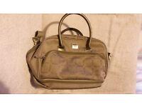 Antler travel bag, Silver.Handles and shoulder strap