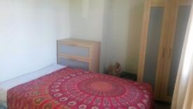 Need somewhere in Leeds, few weeks? Months? No deposit required. Lovely house in Kirkstall.