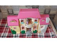 FISHER PRICE DOLLS HOUSE WITH SOME FURNITURE AND FAMELY