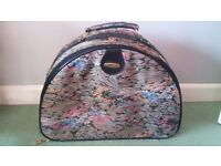 Travel bag / suitcase