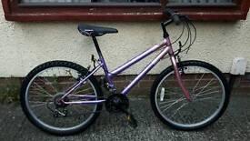 Girls Universal Fusion bike