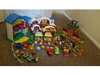 Little People Fisher Price Farm House and Noe's Ark