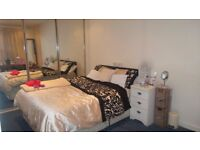 Large Modern Double Room Near Castle Point Shopping Center & JP Morgan in Shared 2 Bed Flat
