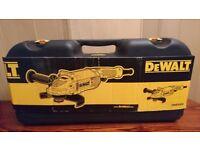 DEWALT 2200W GRIDER DWE492K