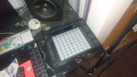 USED: ABLETON PUSH MIDI CONTROLLER