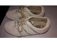 pair of size 5 ladies trainers - very good condition