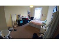Spacious 4 bedroom flat for rent, East Preston Street Edinburgh