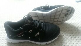 size 7 women's trainers
