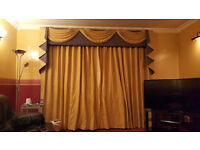CURTAIN PELMET WITH 2 MATCHING LINED CURTAINS AND TIE BACKS LOVELY DESIGN AND GREAT QUALITY MATERIAL