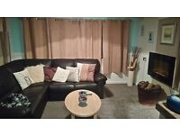 Dark brown leather corner sofa very good condition no tears or scuffs