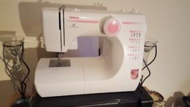 Toyota RS2000 SE03 Sewing Machine - FULL WORKING ORDER