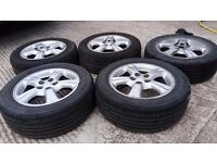 1998 Toyota Avensis alloy wheels. Good condition.