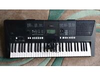 Yamaha PSR-E423 - Good Condition