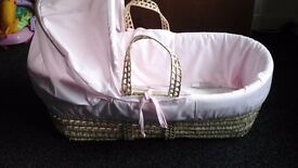 Moses Basket with stand and mattress (Pink)