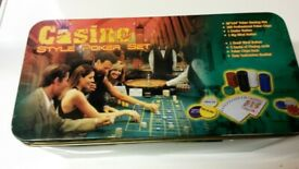 Casino Texas Hold 'em boxed kit for playing Poker, includes felt table cover