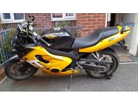 Triumph TT600 W 2000 Great first big bike £1400