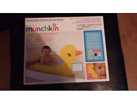 MUNCHKIN INFLATABLE SAFETY DUCK BATH - NEW IN BOX