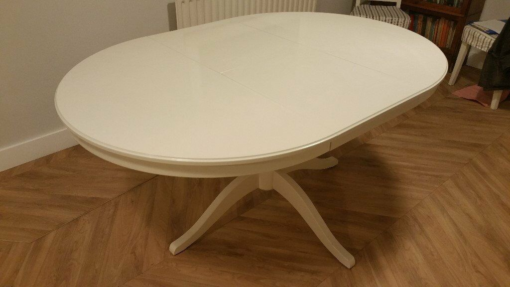White INGATORP extending IKEA dining table (in Kegworth)