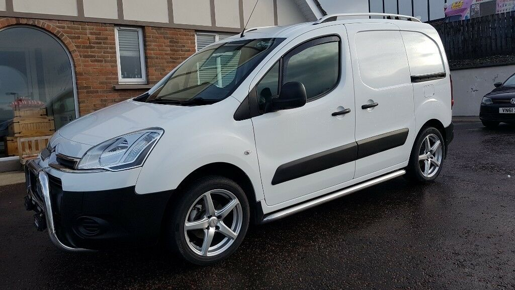 8780804eee 2012 Citroen berlingo